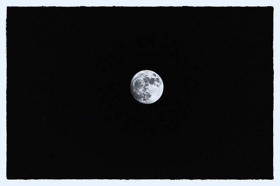 Man in the moon | LENS MODEL NOT SET <br> Click image for more details, Click <b>X</b> on top right of image to close
