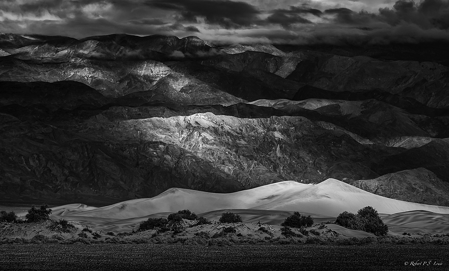Death Valley Dunes | NIKON AF-S 80-400MM VRII <br> Click image for more details, Click <b>X</b> on top right of image to close