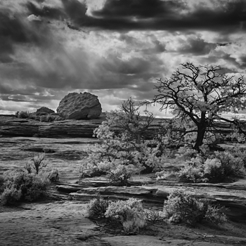 Canyon De Chelly IR | NIKON 18-70MM F/3.5-4.5G ED-IF AF-S DX <br> Click image for more details, Click <b>X</b> on top right of image to close