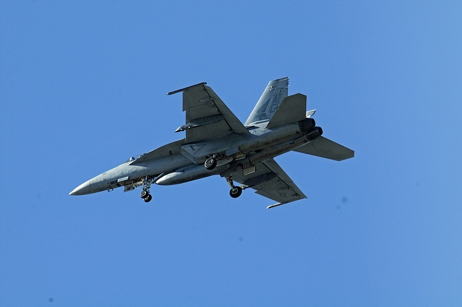F-18 02 | NIKON 80-400MM F/4.5-5.6D ED AF VR <br> Click image for more details, Click <b>X</b> on top right of image to close