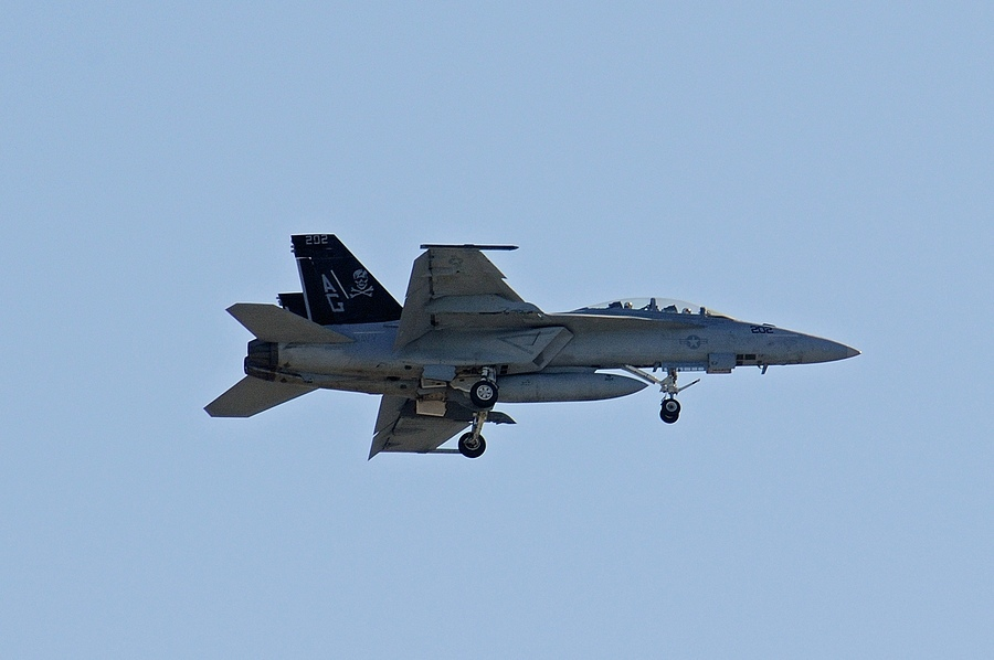 F-18 06 | NIKON 80-400MM F/4.5-5.6D ED AF VR <br> Click image for more details, Click <b>X</b> on top right of image to close