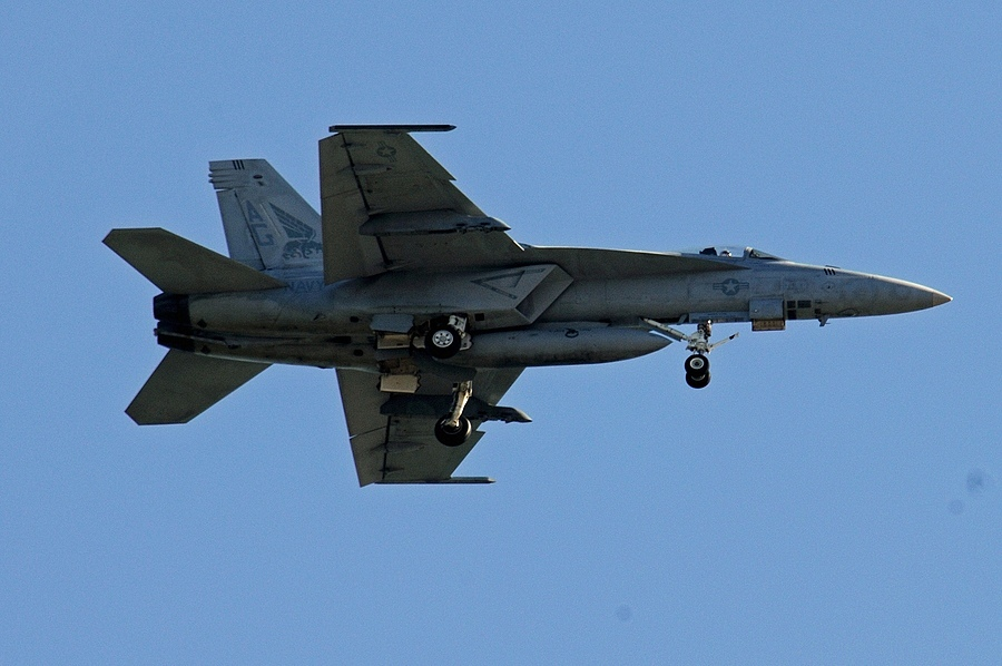 F-18 07 | NIKON 80-400MM F/4.5-5.6D ED AF VR <br> Click image for more details, Click <b>X</b> on top right of image to close