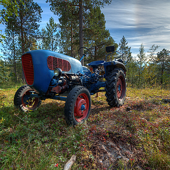 Old tractor in the forest |  TOKINA 11-16MM F/2.8 AT-X116 PRO DX <br> Click image for more details, Click <b>X</b> on top right of image to close