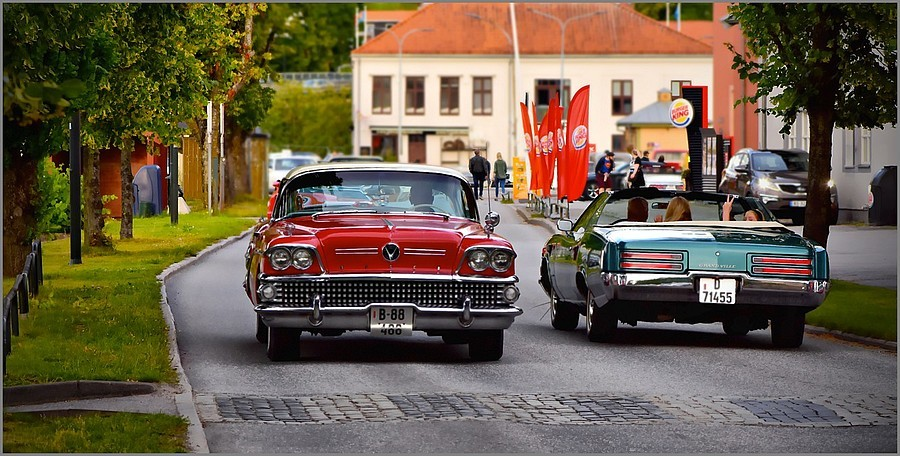 Buick and Pontiac - 2 Classic Cars meet | NIKON 105MM F/2.8G ED-IF AF-S VR MICRO N <br> Click image for more details, Click <b>X</b> on top right of image to close