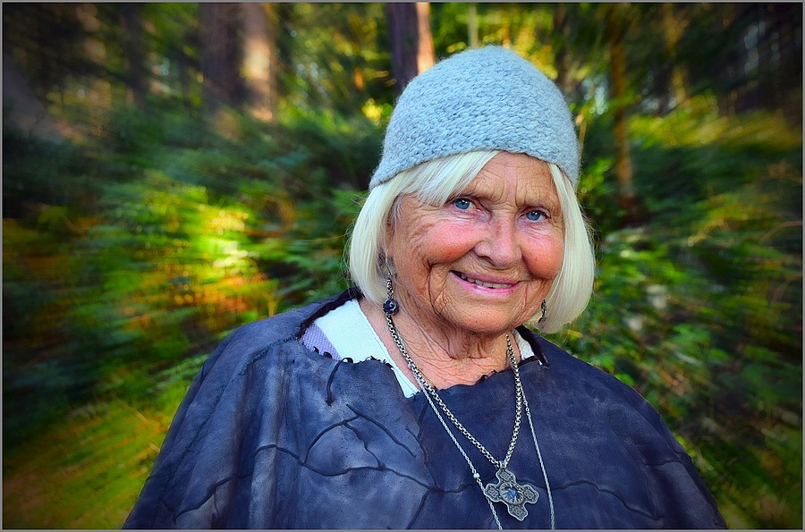 Viking Lady Ad Hoc Portrait - BTW she is 80 ! | NIKON 16-85MM F/3.5-5.6G ED AF-S VR DX <br> Click image for more details, Click <b>X</b> on top right of image to close