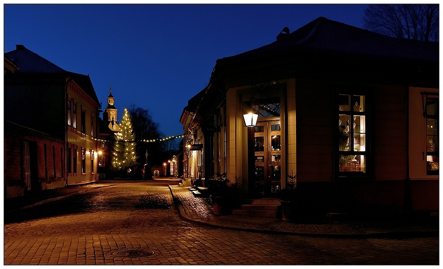 nikonimages.com gallery | Cobbled Street in the Night | SIGMA Art 18-35mm f/1.8 DC | NIKON D7200