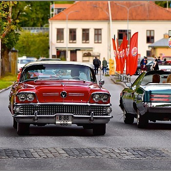 Buick and Pontiac - 2 Classic Cars meet | NIKON 105MM F/2.8G ED-IF AF-S VR MICRO N