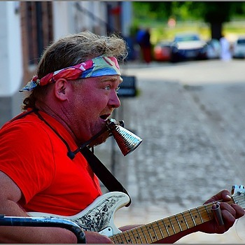 Street Musician Singing The Blues | NIKON 18-140MM F/3.5-5.6G VR <br> Click image for more details, Click <b>X</b> on top right of image to close