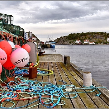 Lobster Pots + Floats | NIKON 12-24MM F/4G ED-IF AF-S DX <br> Click image for more details, Click <b>X</b> on top right of image to close