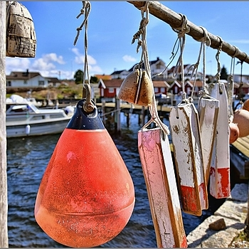 Lobster Pot Marker Floats | SIGMA ART 18-35MM F/1.8 DC