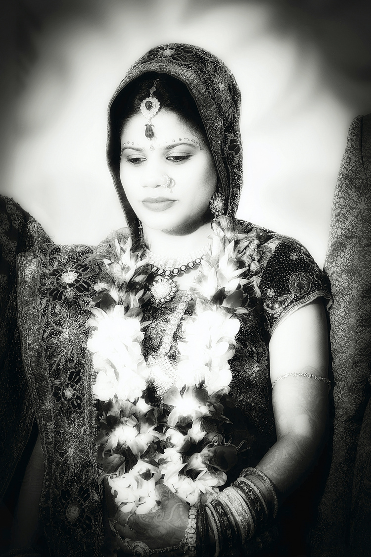 Hindu Bride | LENS MODEL NOT SET <br> Click image for more details, Click <b>X</b> on top right of image to close