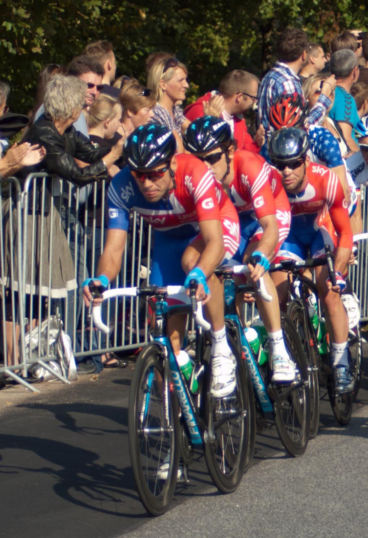 Cav and UK team | NIKON 70-300MM F/4-5.6G AF <br> Click image for more details, Click <b>X</b> on top right of image to close