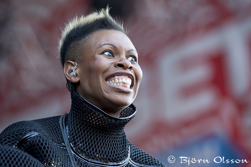 Skunk Anansie | TAMRON 70-200MM F/2.8 <br> Click image for more details, Click <b>X</b> on top right of image to close