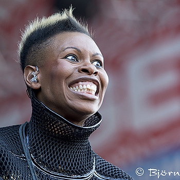 Skunk Anansie | TAMRON 70-200MM F/2.8