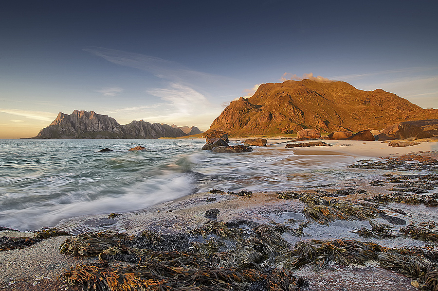 Sunset i Lofoten II | NIKON 14-24MM F/2.8G ED AF-S N <br> Click image for more details, Click <b>X</b> on top right of image to close