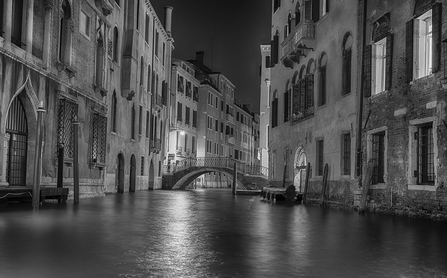 Venice by Night | SIGMA 24-70 F2.8 <br> Click image for more details, Click <b>X</b> on top right of image to close