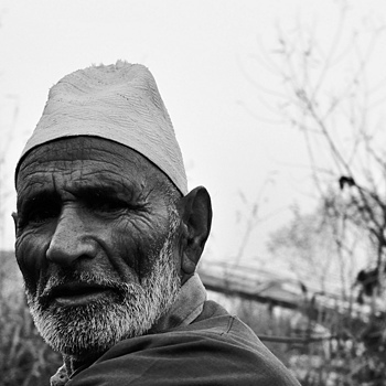Old man-Kashmiri | NIKON 24-70MM F/2.8G ED AF-S N <br> Click image for more details, Click <b>X</b> on top right of image to close