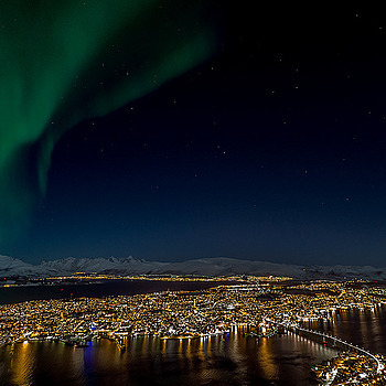 Northern Lights over Troms�¸ | NIKON 17-35MM F/2.8 ED-IF AF-S