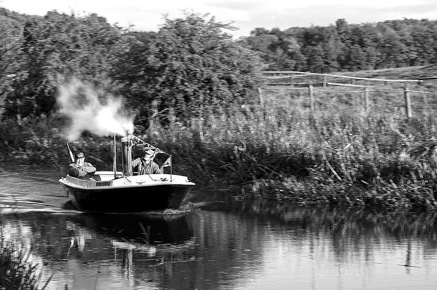 Steaming down Union Canal | NIKON 18-105MM F/3.5-5.6G ED-IF AF-S VR DX <br> Click image for more details, Click <b>X</b> on top right of image to close