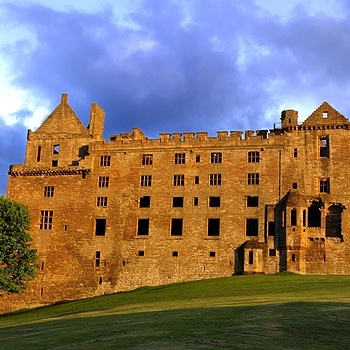 Linlithgow Palace | NIKON 18-105MM F/3.5-5.6G ED-IF AF-S VR DX <br> Click image for more details, Click <b>X</b> on top right of image to close