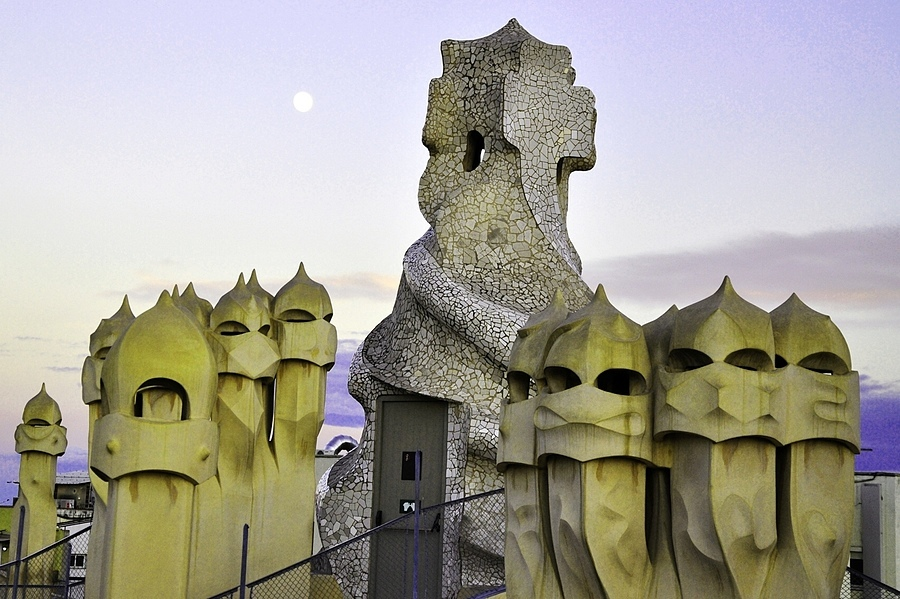 Gaudi's witch scarers | LENS MODEL NOT SET <br> Click image for more details, Click <b>X</b> on top right of image to close