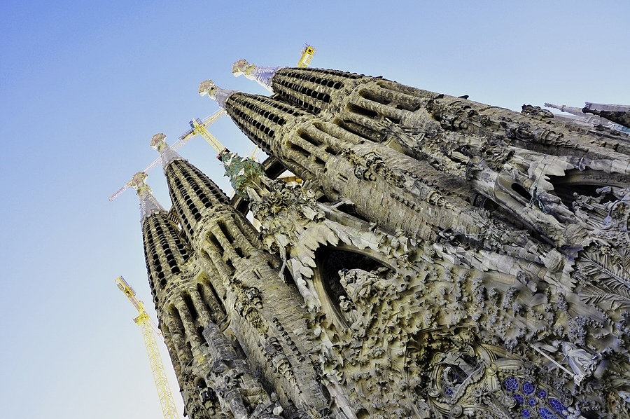 Sagrada Familia | LENS MODEL NOT SET <br> Click image for more details, Click <b>X</b> on top right of image to close