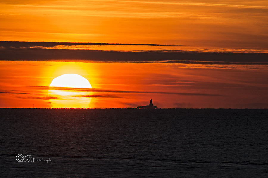Sun and the lighthouse | NIKON 300MM F/4D ED-IF AF-S <br> Click image for more details, Click <b>X</b> on top right of image to close