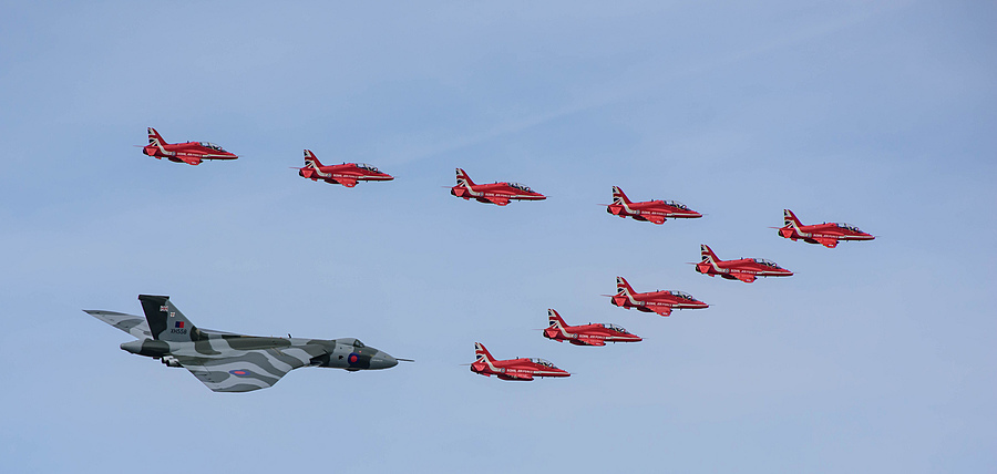 Red Arrows & Avro Vulcan | NIKON 70-200MM F/2.8G ED-IF AF-S VR <br> Click image for more details, Click <b>X</b> on top right of image to close