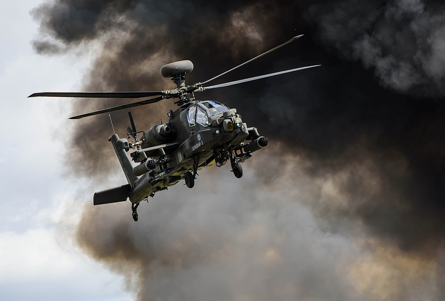 Apache Attack Helicopter | NIKON 70-200MM F/2.8G ED-IF AF-S VR <br> Click image for more details, Click <b>X</b> on top right of image to close