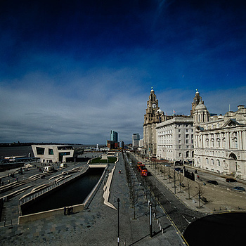 Liverpool Waterfront | LENS MODEL NOT SET
