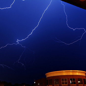 Lightning bolt | SIGMA 10-20MM F4-5.6 <br> Click image for more details, Click <b>X</b> on top right of image to close
