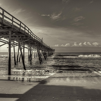 Atlantic Beach Pier |  TOKINA 11-16MM F/2.8 AT-X116 PRO DX <br> Click image for more details, Click <b>X</b> on top right of image to close