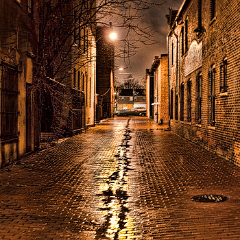 Lonely Alley | SIGMA 24-70 F2.8 <br> Click image for more details, Click <b>X</b> on top right of image to close