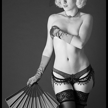 St. Louis burlesque performer | NIKON 70-200MM F/2.8G ED-IF AF-S VR <br> Click image for more details, Click <b>X</b> on top right of image to close