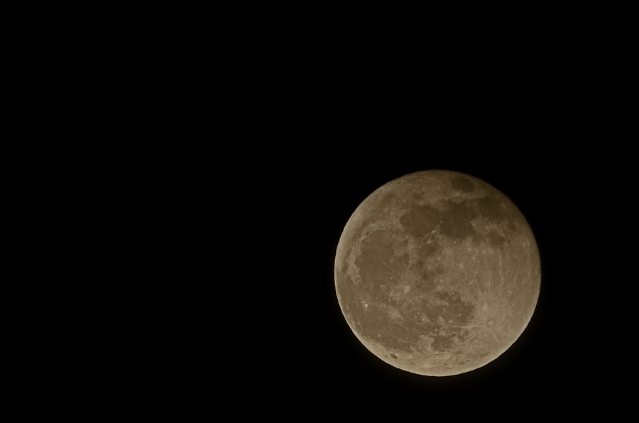 800mm full frame moon | TAMRON SP 65B 400 F/4 ADAPTALL-2 <br> Click image for more details, Click <b>X</b> on top right of image to close