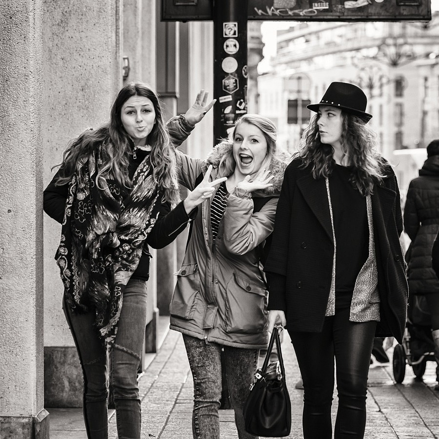 street photography - Antwerp | NIKON 135MM F/2.0 AF DC <br> Click image for more details, Click <b>X</b> on top right of image to close