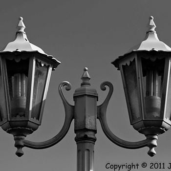 Lights | NIKON 16-85MM F/3.5-5.6G ED AF-S VR DX <br> Click image for more details, Click <b>X</b> on top right of image to close