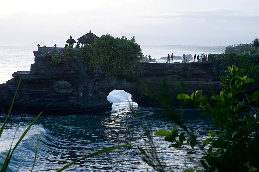 tanah lot bali | NIKON 85MM F/1.4D AF <br> Click image for more details, Click <b>X</b> on top right of image to close