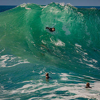 Giant Swells at the Wedge - Tamron G2 + D500 | LENS MODEL NOT SET <br> Click image for more details, Click <b>X</b> on top right of image to close