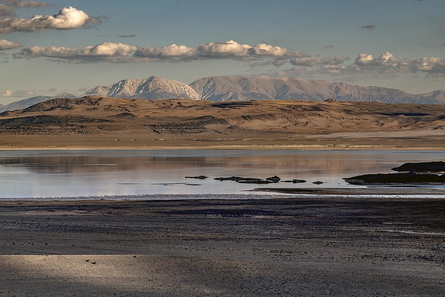 Mono Lake and Sierras | ZEISS APO SONNAR T* 2/135 ZF.2 <br> Click image for more details, Click <b>X</b> on top right of image to close