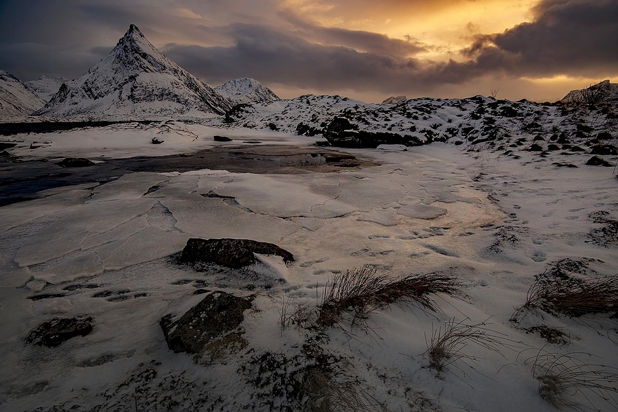 Sunset and ice | NIKON 16-35MM F/4G ED AF-S VR <br> Click image for more details, Click <b>X</b> on top right of image to close
