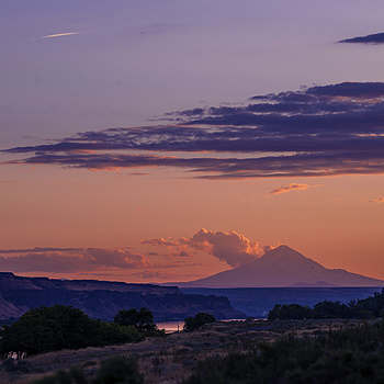 Mt. Hood and upper Columbia River Gorge | ZEISS ZF-II APO SONNAR T* F2.0 135MM
