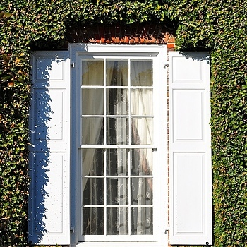 Plantation window | NIKON 55-200MM F/4-5.6G ED AF-S VR DX