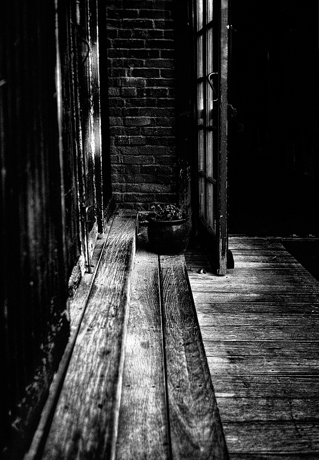 Cornered in SLO B&W | NIKON 35MM F/2.0D AF <br> Click image for more details, Click <b>X</b> on top right of image to close