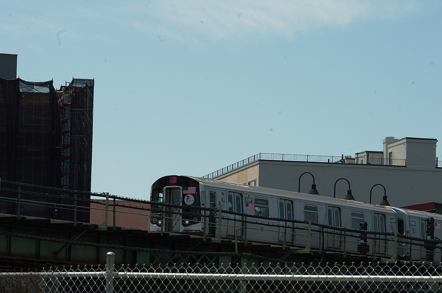 The J Train in Brooklyn | ROKINON REFLEX 300MM F6.3  UMC CS NI <br> Click image for more details, Click <b>X</b> on top right of image to close
