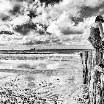 On the BEach | LENS MODEL NOT SET <br> Click image for more details, Click <b>X</b> on top right of image to close