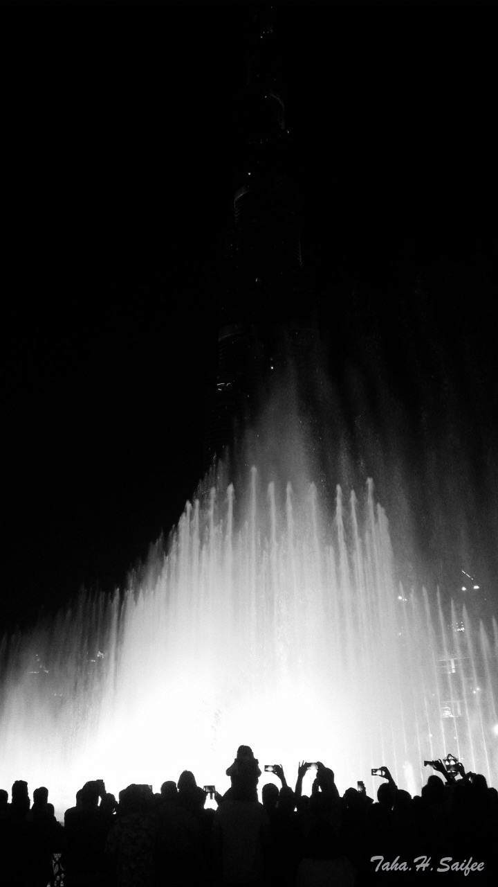 Dubai Mall Fountain | NIKON 18-55MM F/3.5-5.6G ED AF-S II DX <br> Click image for more details, Click <b>X</b> on top right of image to close