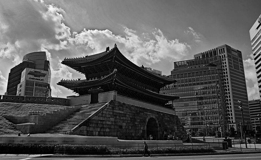 Rebuilt Namdaemoon Gate | NIKON 18-35MM F/3.5-4.5D ED-IF AF <br> Click image for more details, Click <b>X</b> on top right of image to close