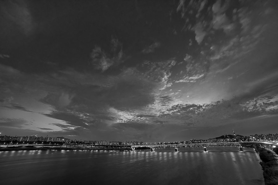 Fluminis Nubes | NIKON 14-24MM F/2.8G ED AF-S N <br> Click image for more details, Click <b>X</b> on top right of image to close