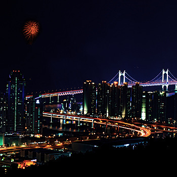 Fireworks Over Gwangan Bridge in Busan | NIKON 70-300MM F/4.5-5.6G IF-ED AF-S VR <br> Click image for more details, Click <b>X</b> on top right of image to close